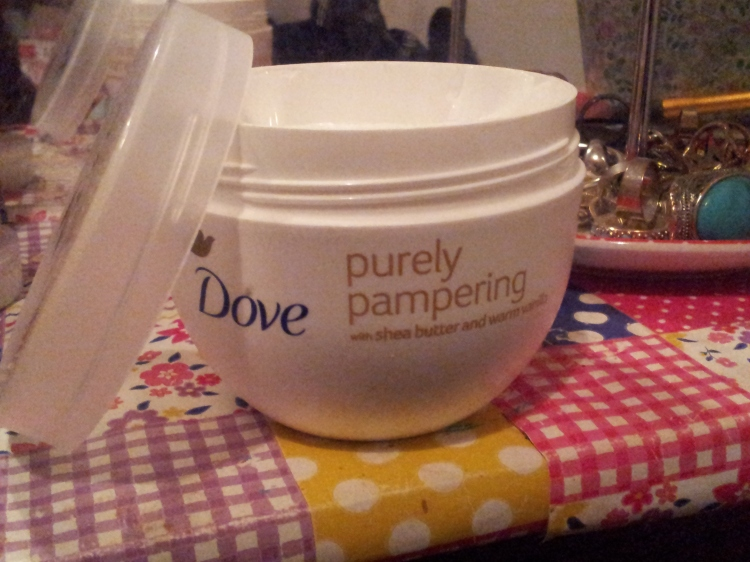 Dove Purely Pampering body cream