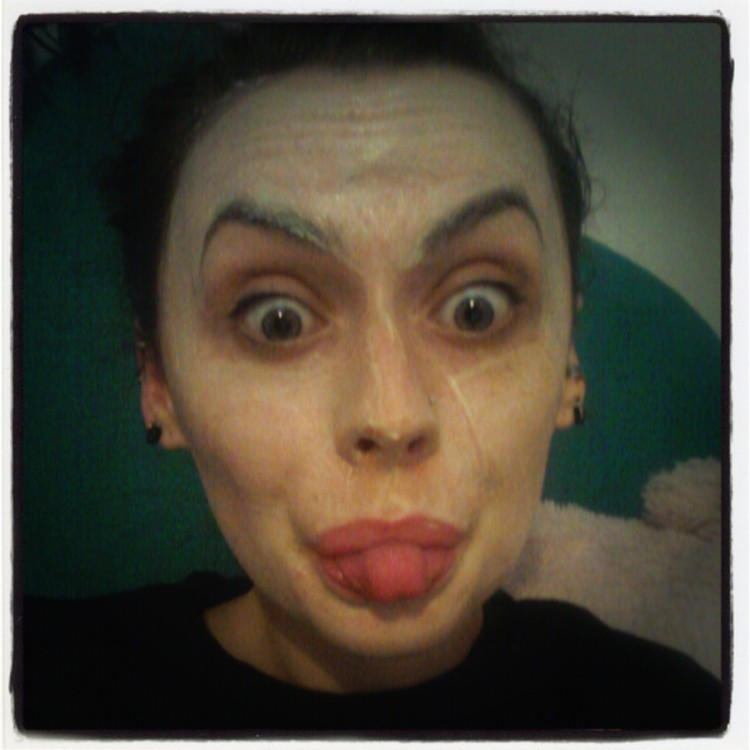 What I really got up to on Sunday- FACE MASK TIME!!