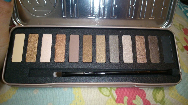w7 In the Buff eyeshadow palette