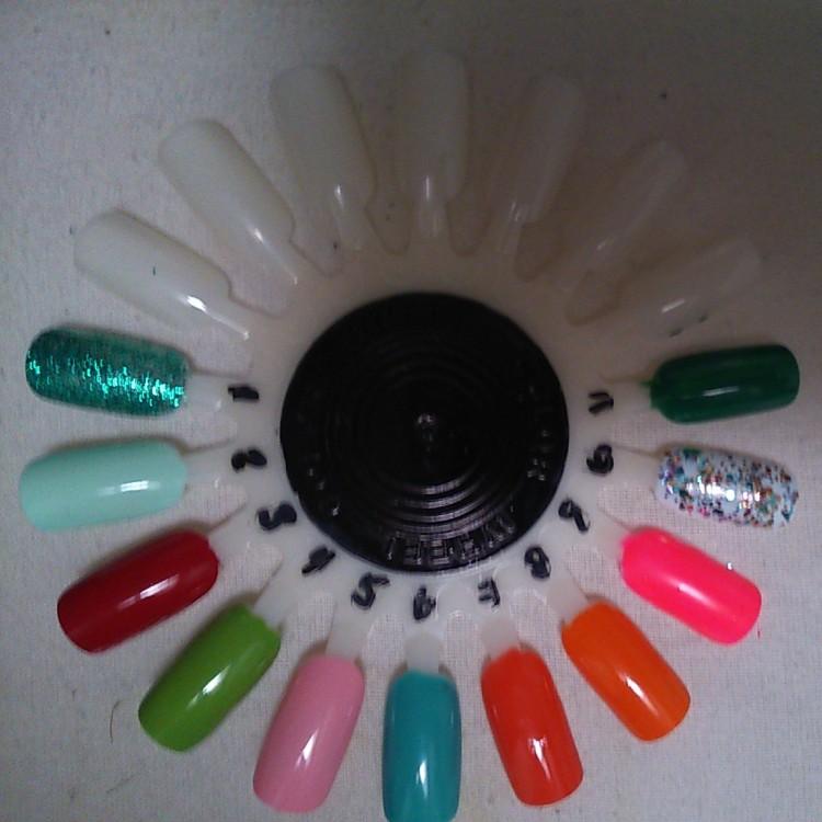 Springtime nails colour wheel