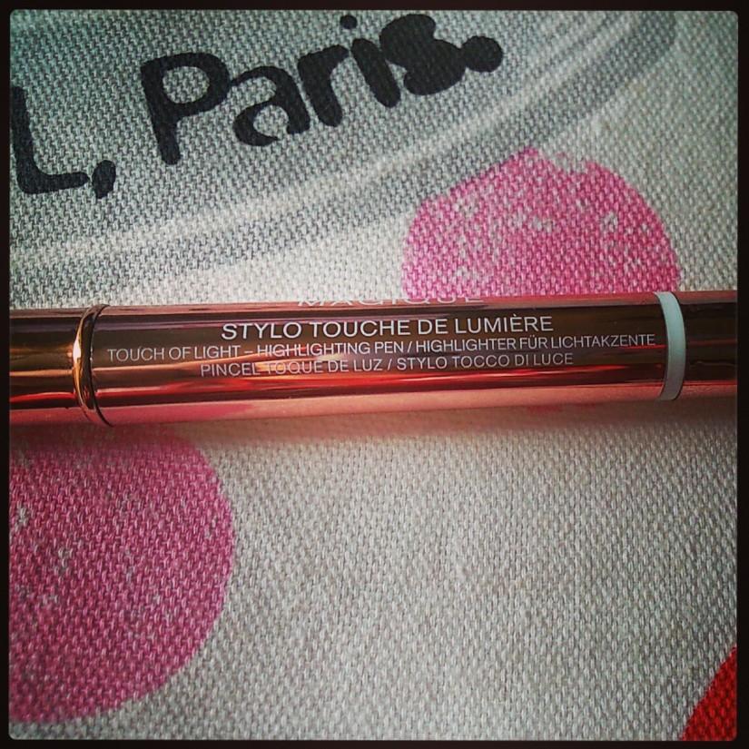 Lumi Magique Touch of Light Highlighter Pen
